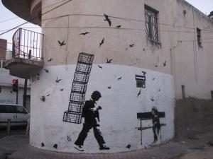 Esténcil en las calles de Pavo y Leandro Valle. La foto es de este Turco Viejo