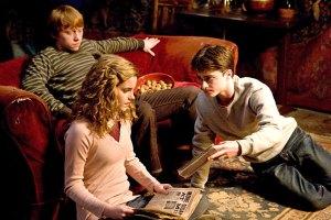 Rupert Grint, Emma Watson y Daniel Radcliffe o Ron, Hermione y Harri. La foto también es de Cinemablend.com