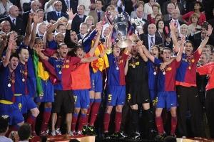 El equipo catalán levanta la Orejona. La foto la tomamos de Mediotiempo.com