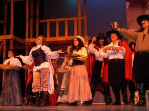 Escena de Cyrano el musical, dirigido por Cedeño en 2006. Foto del Turco Viejo