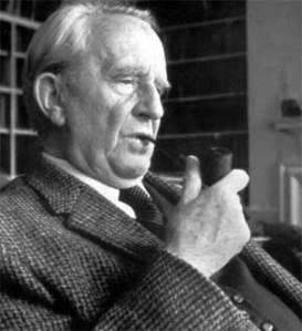 Imagen de Tolkien, con su inseparable pipa